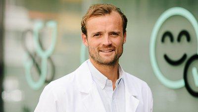 Daniel Sørli, daglig leder ved Dr. Dropin, er uenig i avgjørelsen fra Legeforeningen.